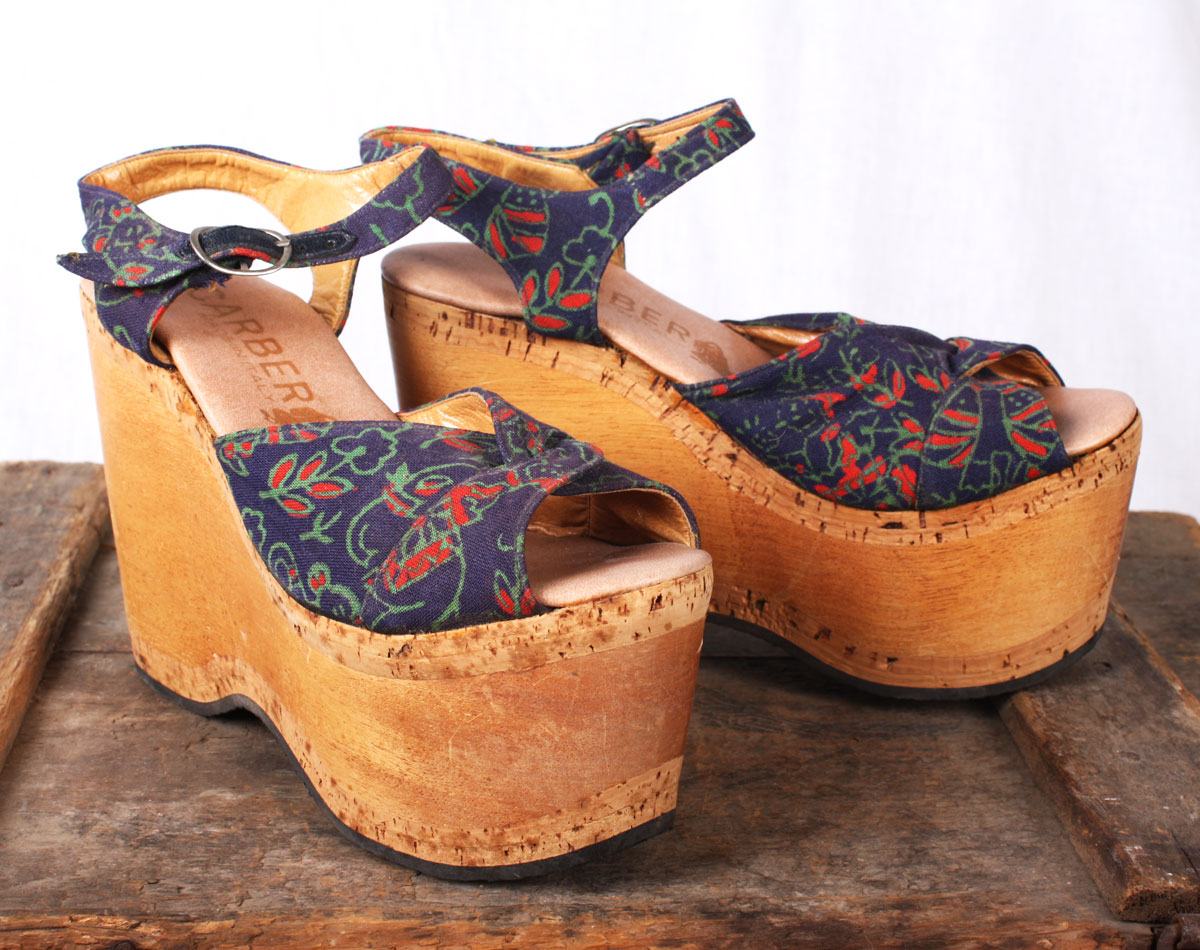 9f9b9a5e5ede STEVIE 1970s Sky High Floral Wooden Platform Sandals   Size 6   By Carber    Made in Italy